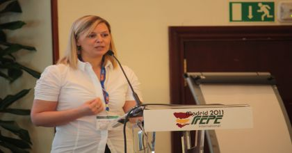 Annarita Rondelli of Vodafone Italy presents at the FEPE Congress in Madrid